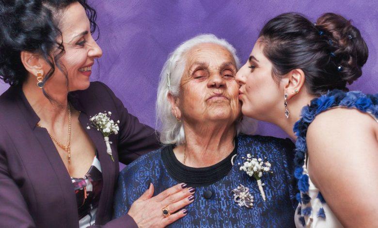 Abuelita o abuelito, esencial para la familia