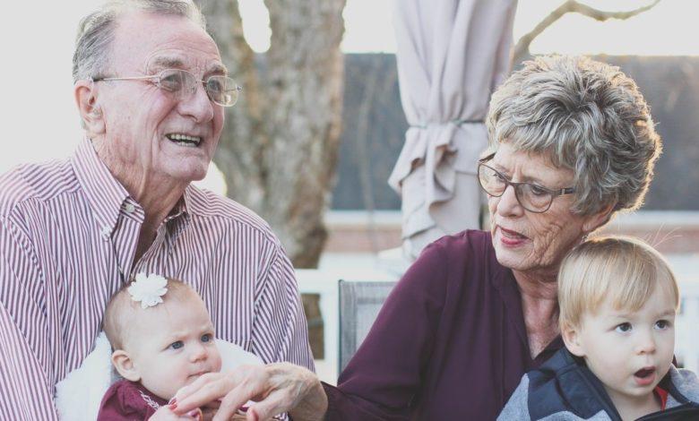 Vacunas para nietos y abuelos