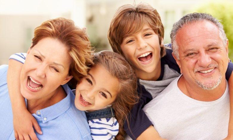 10 beneficios de ser abuelo a los 50 años