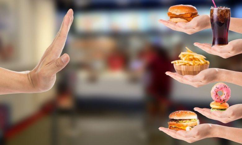 5 alimentos que no debes comer después de los 50