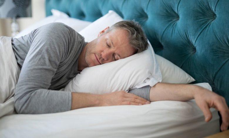 4 consejos para dormir bien después de los 50 años
