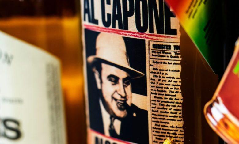 Subastan, en California, 174 objetos del gánster Al Capone